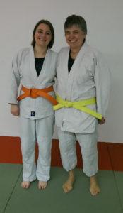 Tanja und Maria mit frischen Gürteln