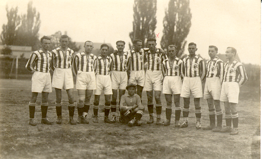1929, 1.Ligaelf-2-